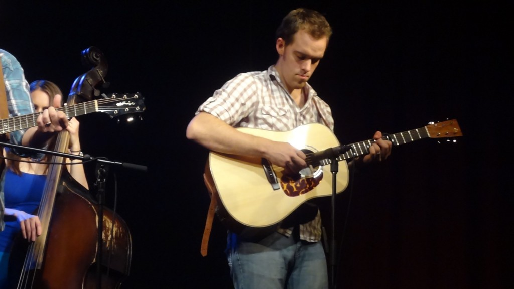 Kyle Triplett playing the Infinity Luthiers Honduras rosewood D-28.